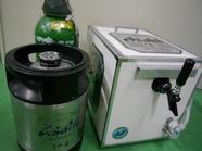 アサヒスーパードライ生樽 10リットル  サーバースターターセット(ガス・冷却氷・紙コップ・設置台)の画像